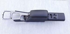 VOLVO C70 CONVERTIBLE CENTER LOWER CONSOLE COMPLETE  8600880 9192277 00-04