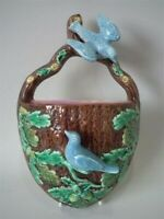 Majolica bird & oak leaves wall pocket