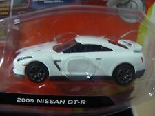10Vox Tracksters 2009 Nissan GT-R 1:64 Series 2 Limited Edition White Toy Car