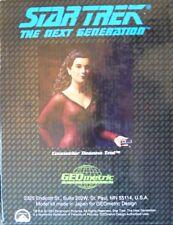 Star Trek figurine Counselor Deanna Troi de Geometric Design en 1/6, N E U & neuf dans sa boîte