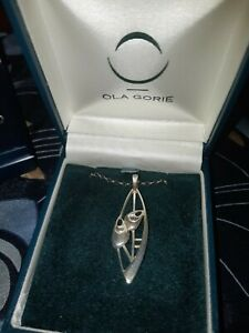 LOVELY OLA GORIE STERLING SILVER PENDANT AND CHAIN - P042
