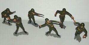 VINTAGE LOT OF 6 LOUIS MARX HARD PLASTIC US MARINES ARMY MEN PAINTED