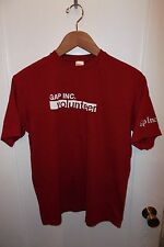Gap Inc. Fashion Retail Store Worker Employee Volunteer Red White Logo T Shirt S