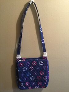 "VERA BRADLEY ""ELLIE FLOWERS"" CROSSBODY MAILBAG - ITEM NO. 14546-146 (NWT)"