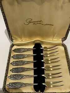 BOXED SET 6 PARAMOUNT SILVERWARE COCKTAIL FORKS