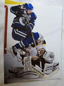 Vancouver Canucks Daniel Sedin Signed 11x14 Photo Auto