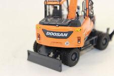 UH 8108  Doosan Mobilbagger DX 140 W  1:50 NEU in OVP