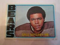 1972 GALE SAYERS #110 TOPPS FOOTBALL CARD IN GOOD CONDITION - BOX CC