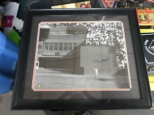 """WILLIE MAYS AUTOGRAPHED """"THE CATCH"""" PHOTO WITH FRAME"""