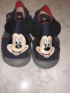 2T-3T MICKEY MOUSE Fuzzy Babba Slippers Sz Shoe 8-10 NWT Shoe 5-7 or 3T-4T