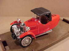 Brumm 1/43 Diecast 1929 Darmont Sport 3-Wheel Softtop Cyclecar, Red, #R4 / #R004