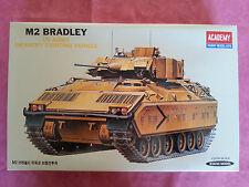 Maquette Neuve ACADEMY 1/35 Char M2 BRADLEY ouvert pour photos