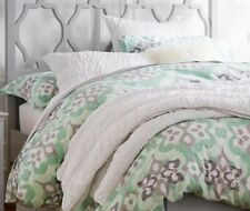 White Pottery Barn Teen Ruched Quilt & 2 standard Shams. (F/Q)