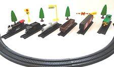 Maisto On Track Train Set (1 Locomotives, 5 Cars, 45 Track Pieces)