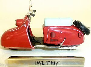 Iwl Pitty Motorcycle Motor Scooter Red GDR 1:24 Atlas 7168116 New Boxed LA4 Μ