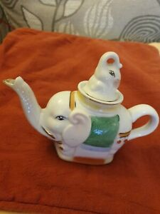 Elephant Teapot. Ceramic.Made In China. Vintage Hand Painted.