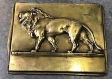 Plaquette Uni-Face LION par V. PETER 7,8 x 10 cm 207,5 gr