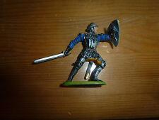 Petit soldat en plastique, à l'épée et bouclier, Moyen Age, Elastolin, ref. 8940