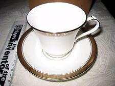 Aynsley Odyssey Taza de té y platillo hecho en Inglaterra bien inglés Bone China