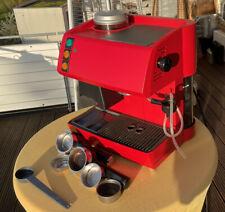 SAECO Magic mit Mahlwerk für Espresso & Pads & Cappuccino; Milchaufschäumer