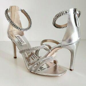 $235 Badgley Mischka zulema Embellished Strappy Sandal Size 9
