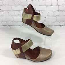 PIERRE DUMAS Womens Size 10 Enya Wedge Shoes Brown Tan Gold Strap Sandal