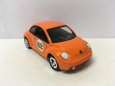 2000 00 Volkswagen New Beetle Collectible 1/64 Scale Diecast Diorama Model
