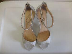 Nina Varetta Silver Bliss Special Occasion High Heels Size 8.5 M
