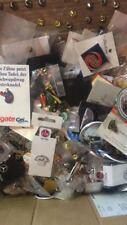 200 Stück Pins aus Lagerräumung Anstecknadeln Buttons Lot Fussball auto Badge