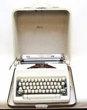 Olympia De Luxe Werke AG Wilhelmshaven Manual Typewriter Western Germany w/Case
