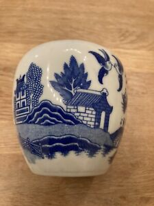 Vintage Blue And White Willow Pot Or Vase Approx 10cm Wide And 11cm Tall