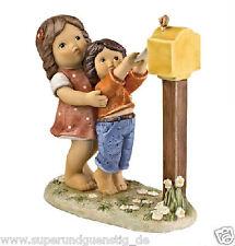Goebel Nina & Marco Figur  Porzellanfigur Ein Brief für Dich ca. 14 cm 11333010