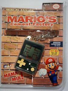 MARIO'S CEMENT FACTORY Game & Watch, Nintendo Mini Classics Keychain, NEW!