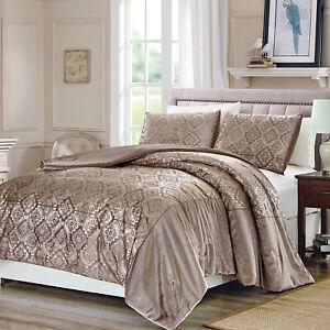 Elegant Silky Gold Metallic Geometric 3 pcs King Queen Coverlet Bedspread Set