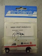 Trident 90024 USA Ambulance USAF Ambulance Modelle in  OVP (*1)