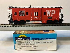 HO Athearn Blue Box Bay Window Caboose Western Pacific, WP #462