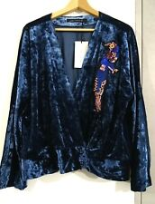 ZARA NAVY BLUE VELVET KIMONO TOP BLOUSE WITH SEQUINNED BIRD PATCH SIZE M