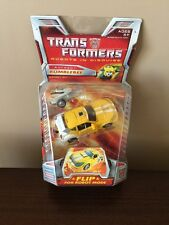 2006 Transformers Autobot BUMBLEBEE Classic Deluxe NIB