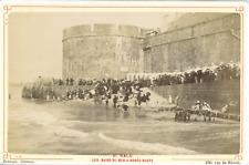 France, Saint-Malo, les bains de mer à marée haute, vue animée  Vintage albumen
