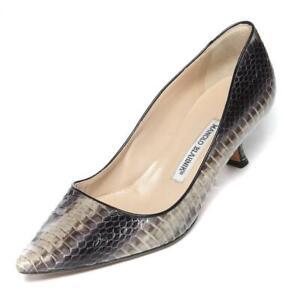MANOLO BLAHNIK Grey / Taupe Snakeskin Low Kitten Heel Pumps 8.5-38.5