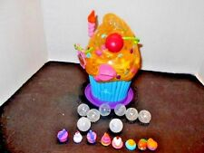 Squinkies Cupcake Bakery Dispenser Store Playset with Squinkies Blip Toys