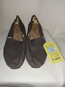 New Men Toms Classics Ash Canvas Grey Flats Shoe 001001A07 Size 9.5 M