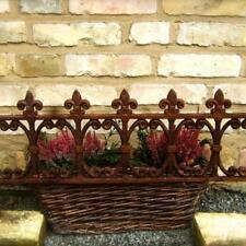Fenstergitter schöner Blumenkasten-Halter, Ziergitter als Halterung, Beetstecker