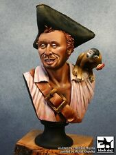 Black Dog 1/10 Buccaneer circa 1695 Bust (Pirate with Monkey on Shoulder) B10008