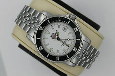 Tag Heuer WD1210-G-20 White Black 1500 Professional SS Watch Mens Mint Crystal