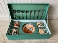 SAKURA Garland Cats 16 Piece Entertainment Set  w/ Reusable Box Oneida Retired