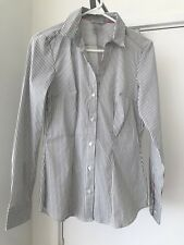 H&M V-neck fitted stretch office work shirt charcoal EUR sz 34 / Aus 8 BNWOT