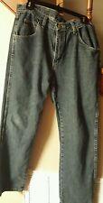 Wrangler Jeans mens medium blue. Regular fit