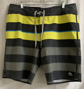 Men's Quiksilver Board Shorts Size 36 Stretch New Without Tags
