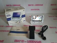 OFFICIAL WHITE SONY PSP GO + 32GB MEMORY - (BOXED)